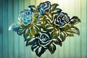 Four roses designed metal art