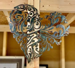 Heart-shaped metal wall decor